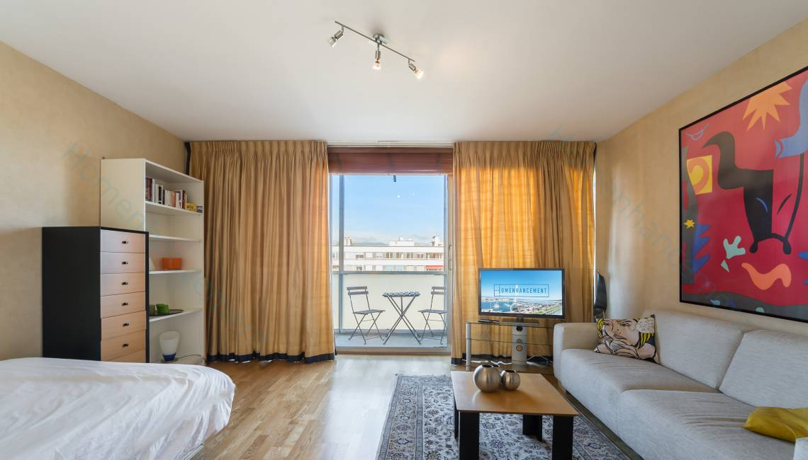 Rental Furnished Studio on last Floor with Balcony, Nice View, Central and Safe District in Geneva - Champel