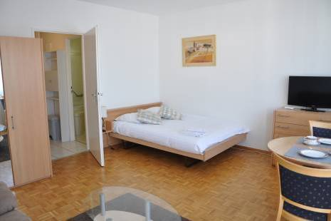 Fully Furnished Apartment close to Geneva Center