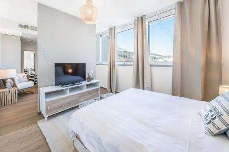 Central and New Flat in Plainpalais